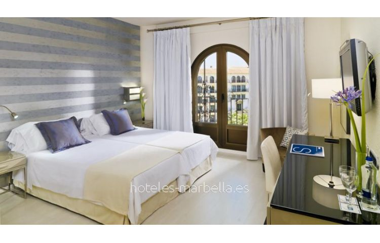 H10 Andalucía Plaza - Adults only 11