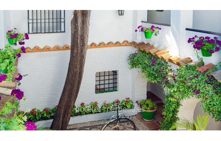 Globales Pueblo Andaluz 25