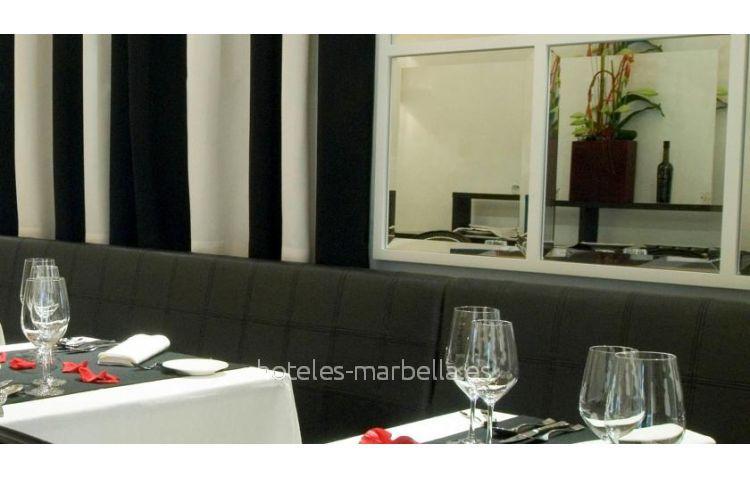 Boutique  Claude Marbella 20