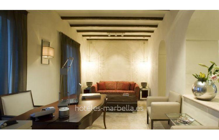 Boutique  Claude Marbella 3