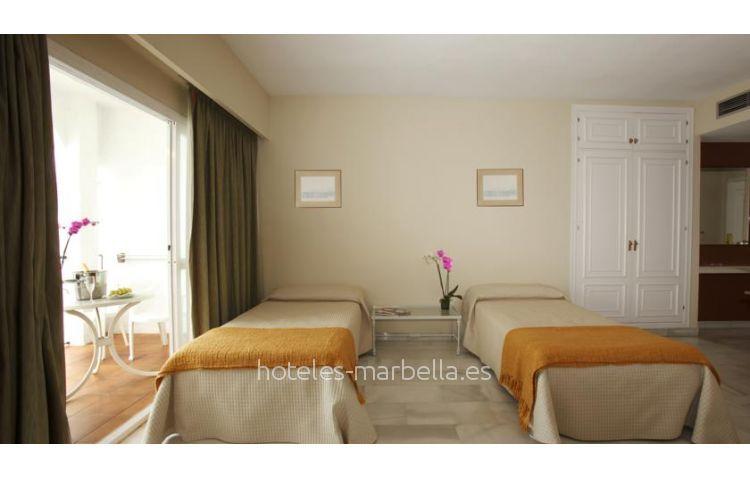 Pyr Marbella 8